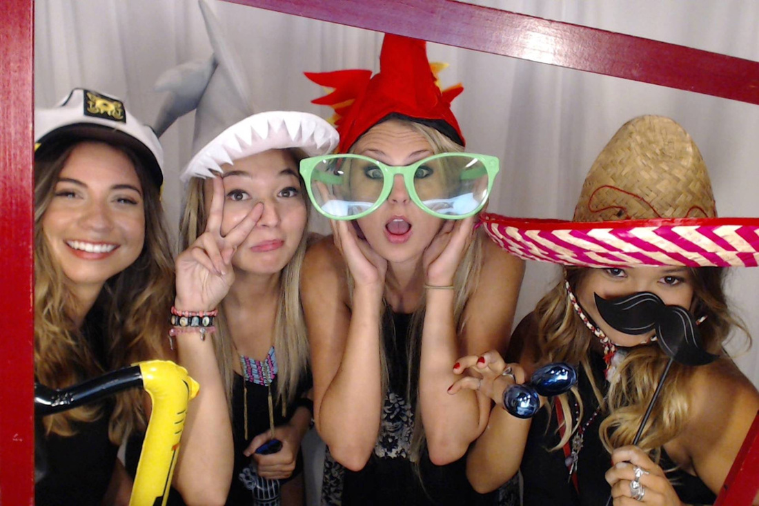 Fun photo booths at wedding shows in LA, OC and IE
